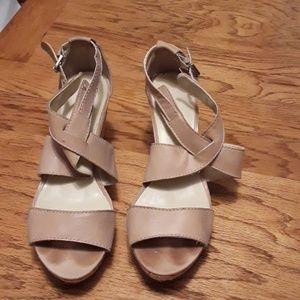 Nine West tan size 9 platform shoes